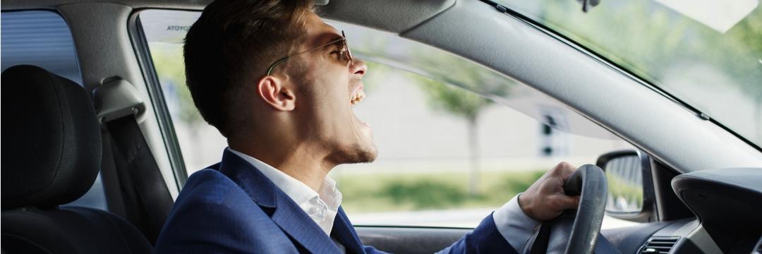 O que vale a pena, trocar ou reformar o banco do carro?