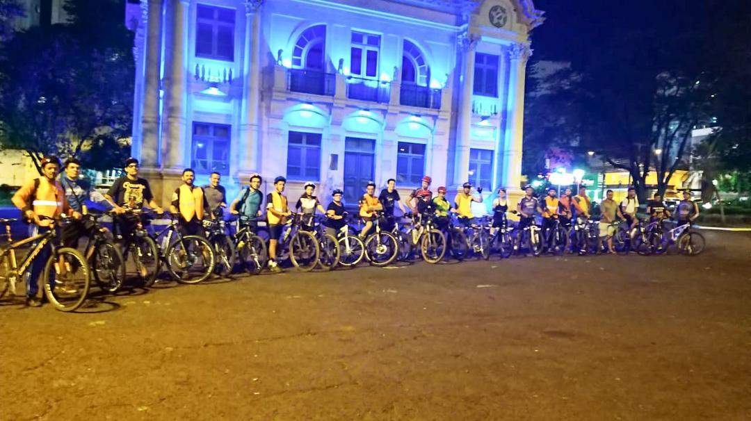 Pedal Noturno de Uberlândia: Promove Campanha pelo Espaço do Ciclista na Cidade