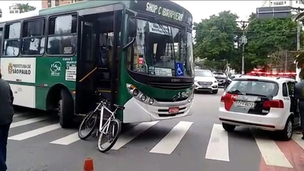Acidente de Trânsito na Cidade de São Paulo Envolvendo o Transporte Público e Pedestres