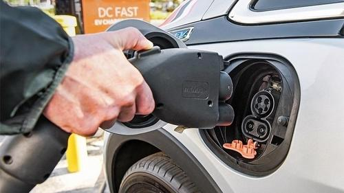 Carros Elétricos Terão Que Emitir Sons Semelhantes ao Convencionais