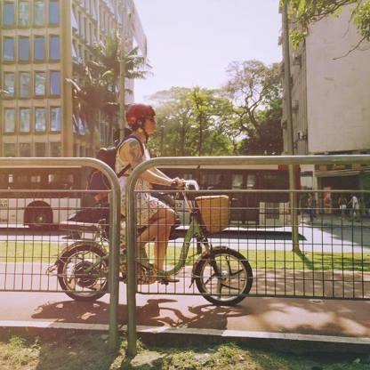 A bicicleta facilita a vida no caos da metrópole