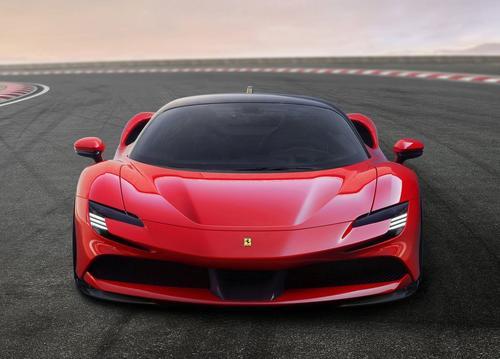 Ferrari abastecida na tomada!